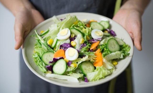 Eat wise, Drop a size. Diet secrets .